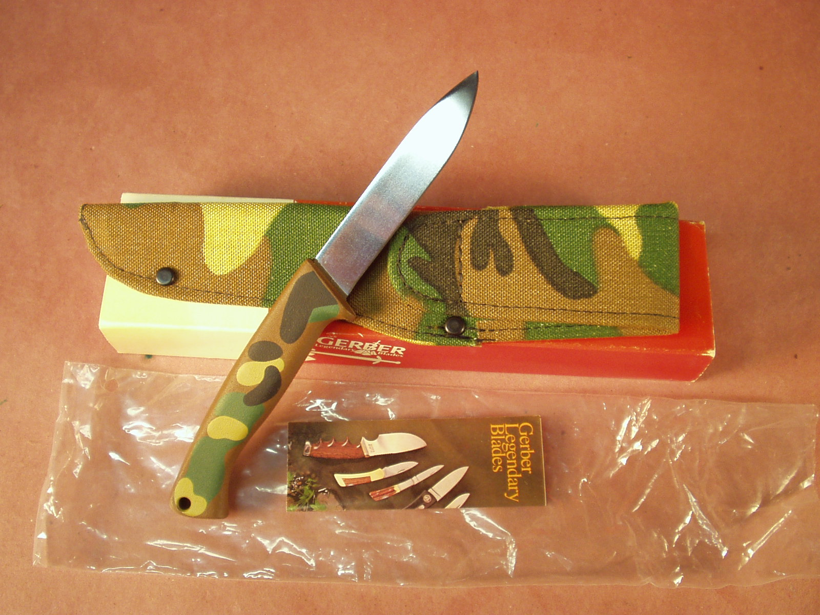 Gerber - A400 ( Camouflage ) Knife #5205